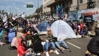 Organizaciones sociales levantaron el acampe en la 9 de Julio frente a Desarrollo Social