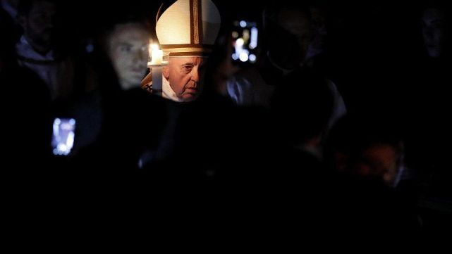Vigilia de Pascua: Francisco llamó a remover