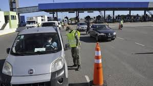 Con más controles hay poca circulación de vehículos en rutas y accesos