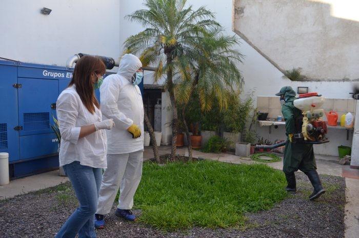 Las cuadrillas de desinfección se despliegan en Instituciones de Resistencia