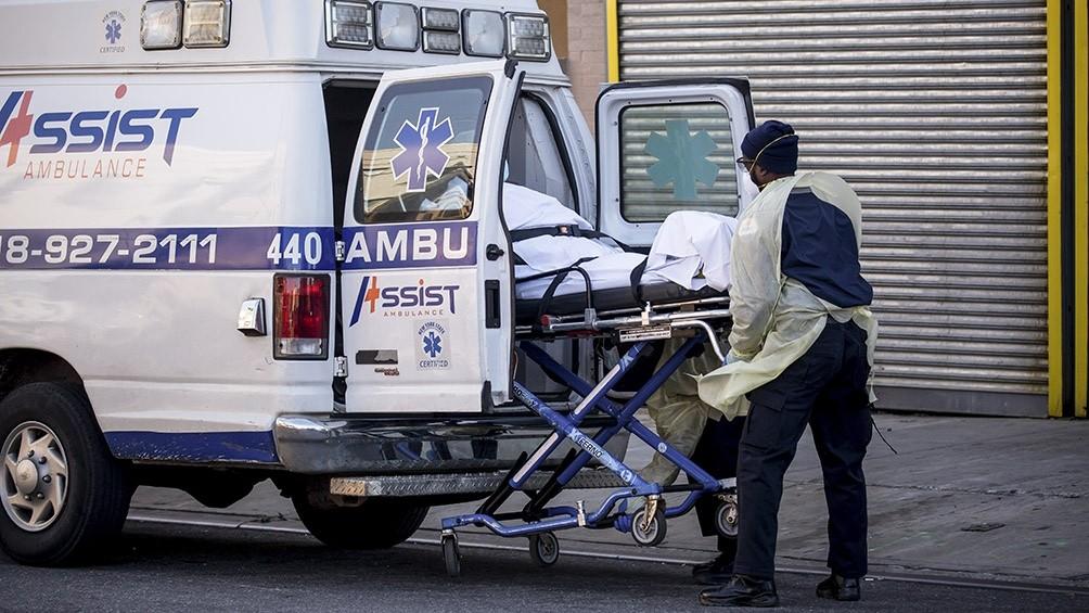 EEUU registró 2.000 muertos en un día y superó los 500.000 casos