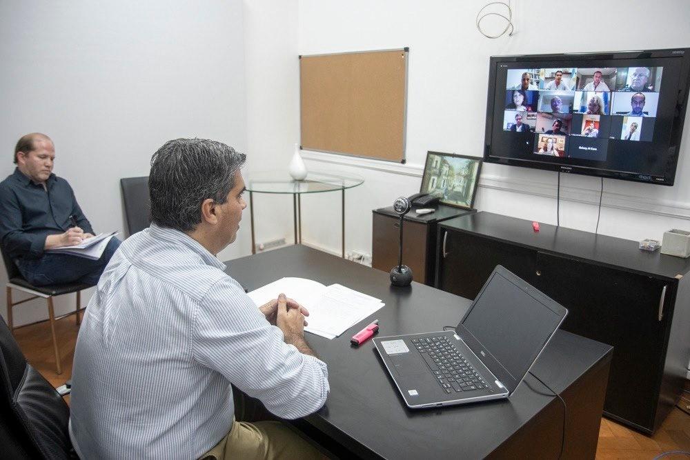 Capitanich recogió demandas de la federación de profesionales universitarios del Chaco