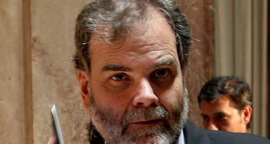 Filas en los Bancos: El defensor de la Tercera Edad pidió la renuncia de Alejandro Vanoli y Luis Goñi