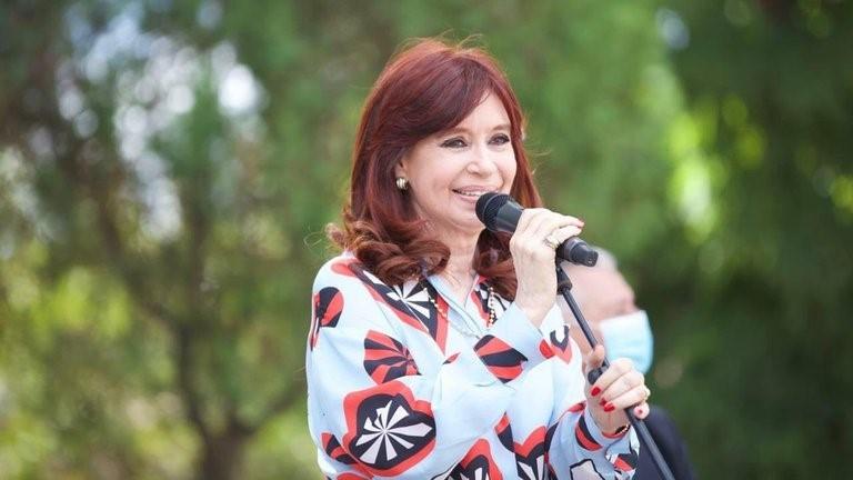 La justicia le devolvió a Cristina Kirchner la administración de Los Sauces, Hotesur y otras sociedades que estaban intervenidas