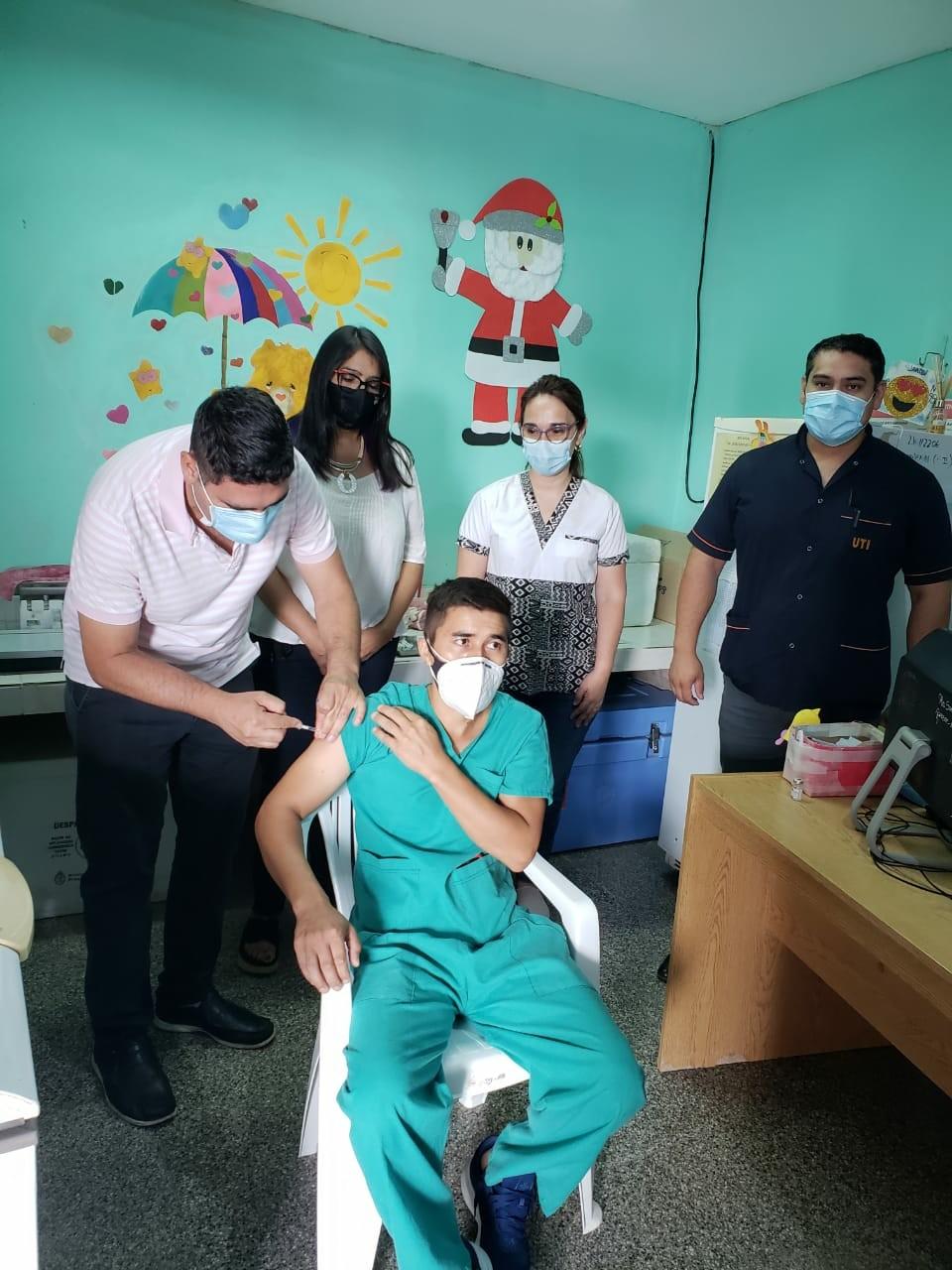 Desde el lunes 12 se aplicarán segundas dosis de las vacunas Sinopharm y Sputnik v al personal de salud