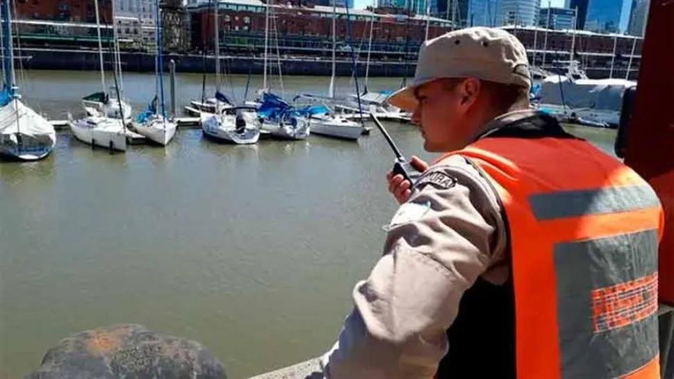 Encontraron un cuerpo flotando en Puerto Madero