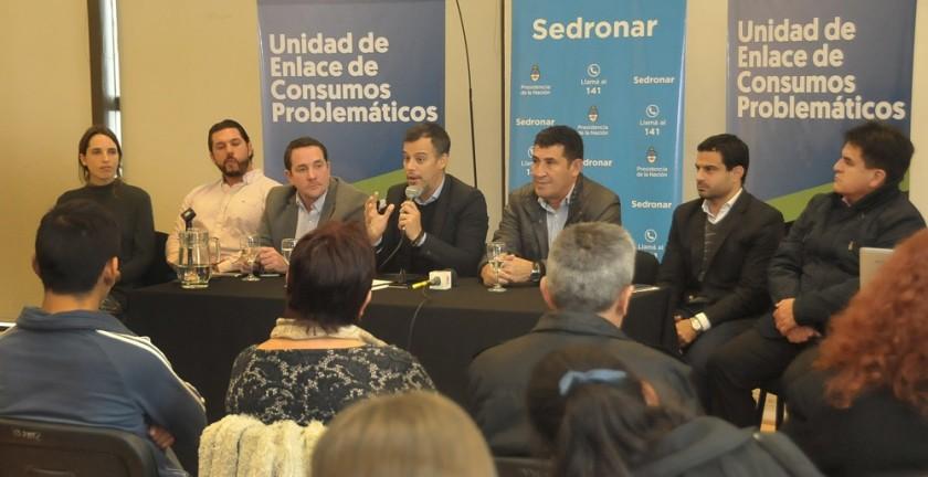 TRABAJADORES DEL DEPORTE Y CULTURA SE CAPACITAN SOBRE ESTRATEGIAS PREVENTIVAS