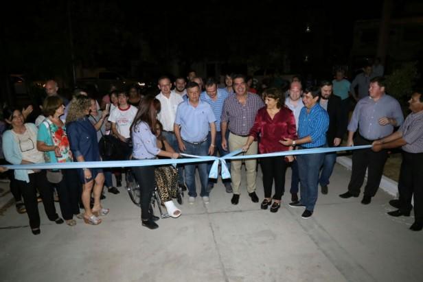 Capitanich inauguró la tercera obra de pavimentación con financiamiento compartido en el Barrio UDOCHA