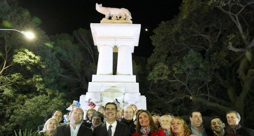 """Resistencia inauguró la obra de restauración de la """"Loba Romana"""", histórico monumento de la ciudad"""