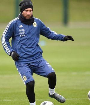 Llegó el capitán: Messi está en Ezeiza para sumarse al entrenamiento