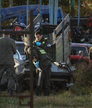 Confirman que un proyectil y cuatro vainas corresponden a las armas de dos policías detenidos
