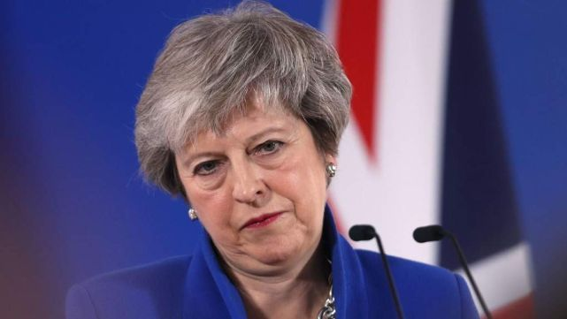 Theresa May, con los días contados