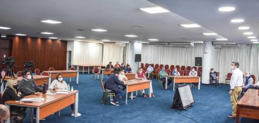 """Capitanich e intendentes de la Región 10 evalúan una """"cuarentena inteligente"""""""