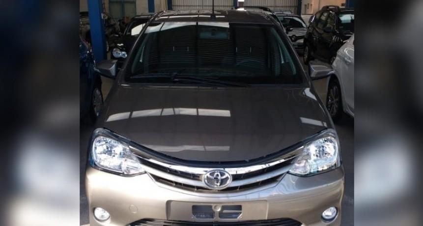 Hallaron el Toyota Etios robado en Resistencia: Estaba en el barrio España