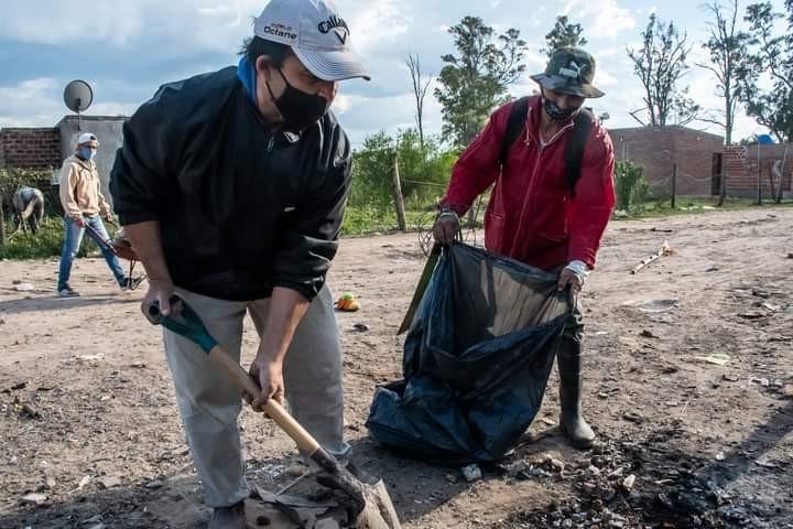 El gobierno avanza con trabajos de saneamiento ambiental en la Rubita