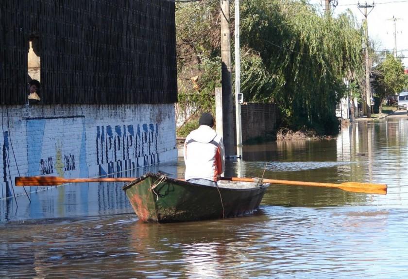 2.500 evacuados en Entre Ríos y Corrientes