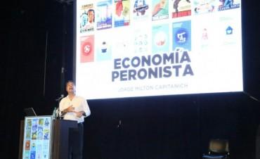 """En un Domo del Centenario repleto Capitanich presentó libro que repasa 75 años de economía argentina: """"Los últimos 12 años fue la etapa más peronista de todas"""""""