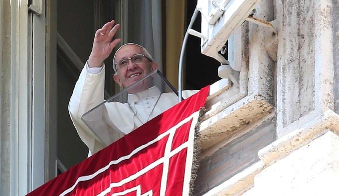 El Papa recordó los afectados por el alud