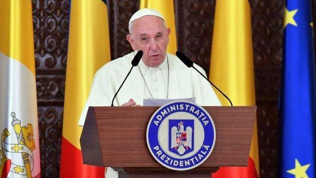 El Papa pidió a católicos rumanos superar los rencores