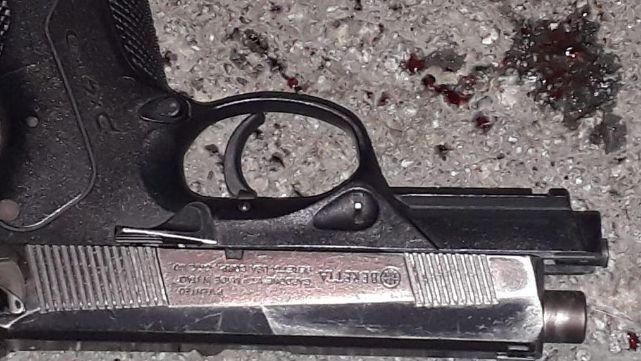 Fusilan a subcomisario de un tiro en la cabeza en presunto intento de robo