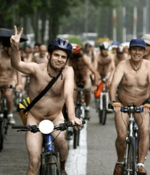 Nueva marcha de ciclistas desnudos en reclamo de seguridad vial