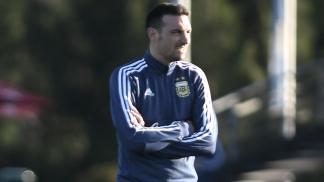 Scaloni ratificó en la última práctica de fútbol el equipo titular que trabajó en toda la semana