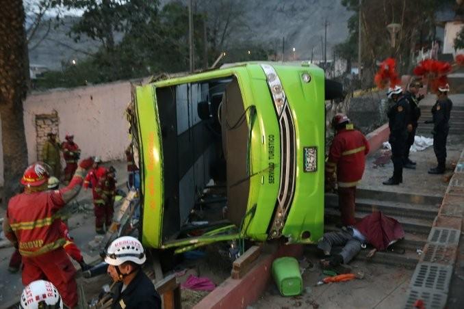 Volcó un micro en Perú y hay al menos 9 muertos
