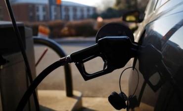 Aumentaron los combustibles: 7% para la nafta y 6% para el gasoil