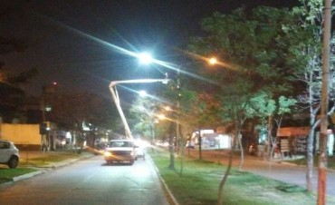 El municipio recambia luminarias de tecnología led en distintas zonas de la ciudad