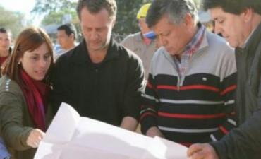 Peppo recorrió en el sauzalito las obras de refacción y ampliación del hospital
