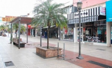 Hay comercios que reducen horarios del personal por la crisis en Corrientes