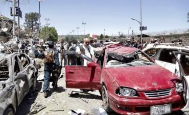Al menos 35 muertos y decenas de heridos en un atentado suicida en Kabul