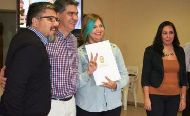 Capitanich entregó otros 40 títulos y el municipio se acerca a la meta anual