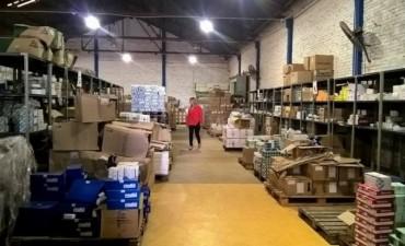 Crespo constató el stock de medicamentos, insumos y leche de la provincia