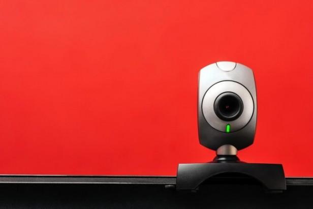 ¿Tenés una cámara conectada a internet? Cuidado porque podría ser hackeada