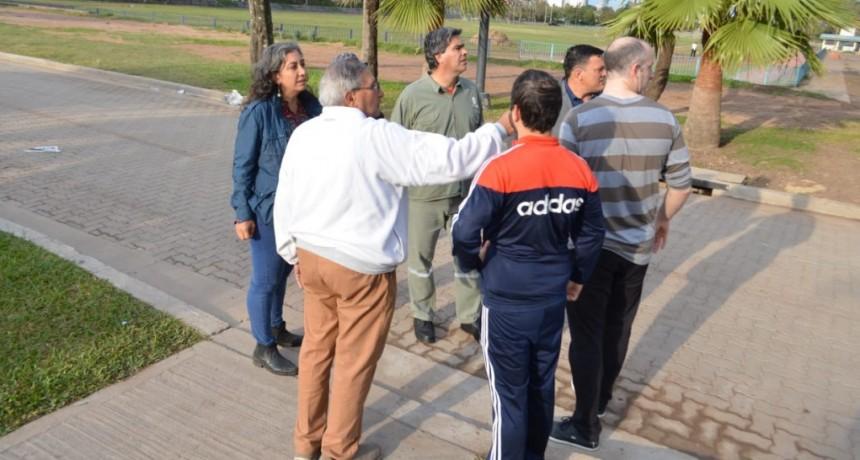 Preparativos para la Bienal: Capitanich encabezó un operativo de limpieza integral en Villa Universidad y el Parque 2 de Febrero