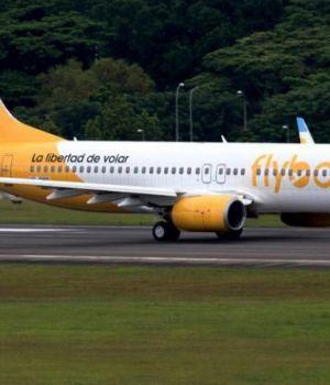 Otra de Flybondi: ofreció a sus pasajeros viajar en colectivos