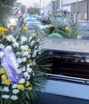 Despidieron los restos del taxista asesinado en Ensenada