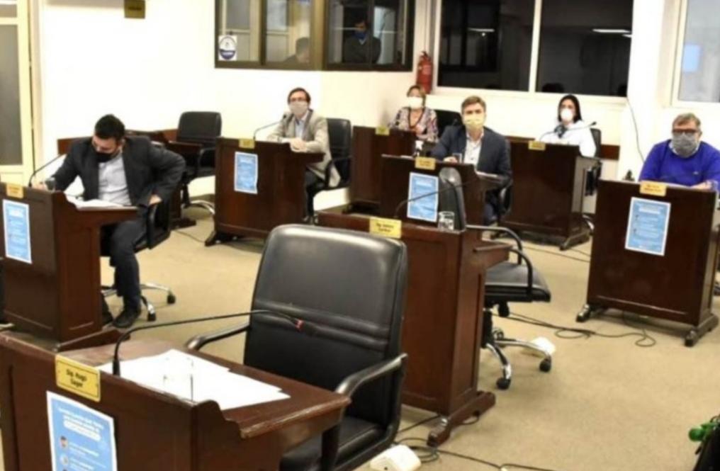 Legisladores radicales proponen ampliar la regularización laboral en Salud