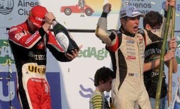 Juan Manuel Silva se coronó ante una multitud en los 1000 kilómetros de Buenos Aires