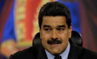 Maduro ordenó capturar y enjuiciar a ciudadanos que abuchearon a una funcionaria