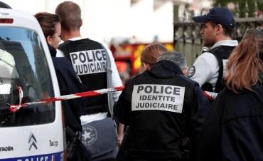 Investigan si el ataque con un auto en París fue un atentado terrorista