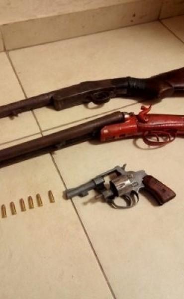 Detenido por amenazar a su ex mujer con armas de fuego