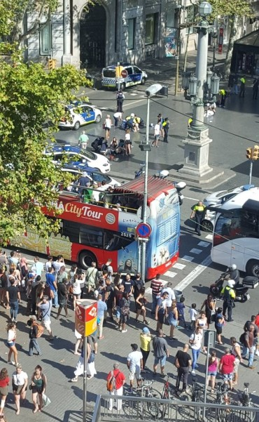 Una camioneta arrolló a varias personas en el centro: al menos un muerto y 20 heridos