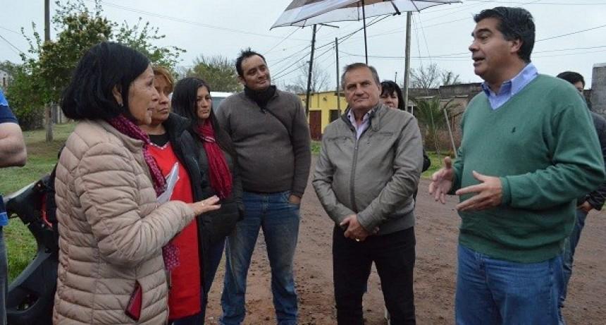 Capitanich recorrió el barrio Aramburu: Agenda de trabajo con vecinos para trabajos de mejoramiento urbano