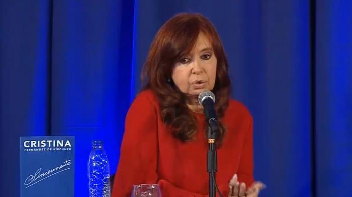 CRISTINA FERNÁNDEZ PRESENTÓ LIBRO SINCERAMENTE EN LA PLATA