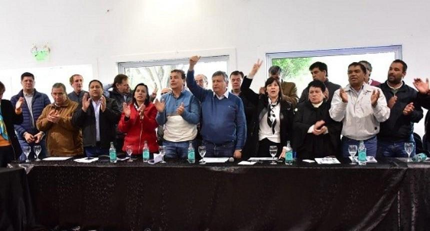 JUNTO CON INTENDENTES Y LEGISLADORES, PEPPO PRESENTÓ CHACO AVANZA PARA COMPETIR EN LAS GENERALES DE OCTUBRE