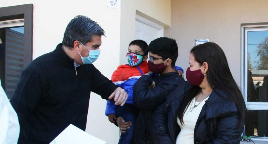 Reactivación de la obra pública: se entregaron 20 viviendas en La Eduvigis