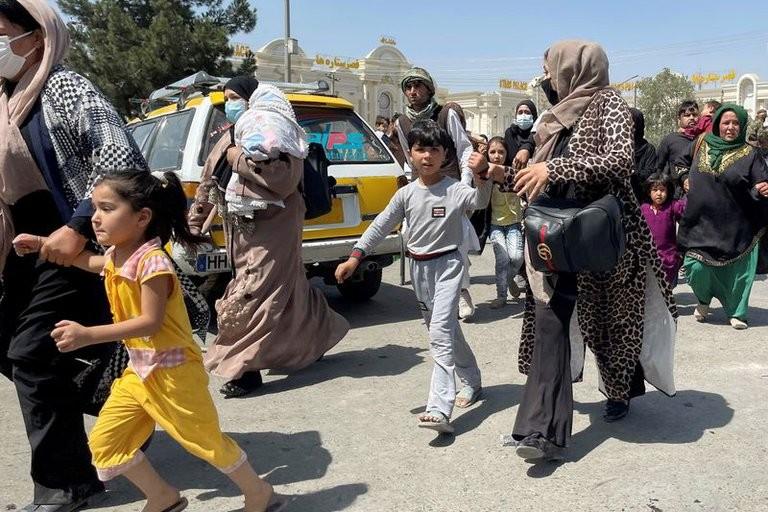 Sólo uno de los cuatro argentinos residentes en Kabul pudo abandonar Afganistán