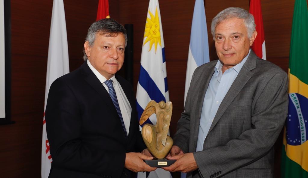 Domingo Peppo negocia  financiamiento en Bolivia para obras estratégicas
